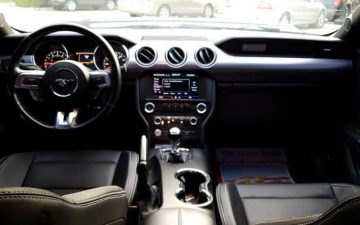 Rent FORD Mustang 2017
